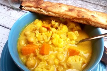 Cauliflower and Sweet Potato Curry Soup with Garbanzo Beans and Farro